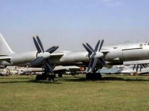 Russiske bombefly flyver i nærheden af USA's og Storbritanniens kyster