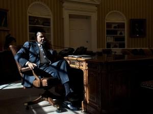 Fra LaRouche-bevægelsen 13. nov. 2014:  <br>Hele verden ved, Obamas magt er svækket <br>– Nu skal han fjernes fra magten