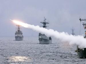 Ruslands Sergei Lavrov gennemgår den strategiske konflikt