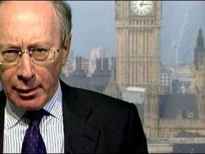 Rifkind trækker sig fra det britiske parlaments Efterretningskomite