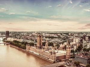 Det britiske Imperium smuldrer;  Banen er klar for en Ny global Æra