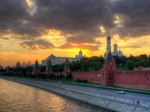 Rusland udfordrer Obama for dennes fremstød for dræberkrig, militært og økonomisk