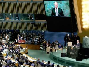 Leder, 29. september 2015:  <br>Putin har netop demonstreret <br>princippet om flanken