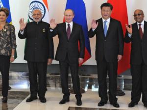 Lederne af BRIKS mødes; Indiens Modi siger 'Vi kan forme G20'