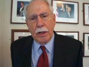 USA: Senator Mike Gravel angriber USA's støtte til saudierne