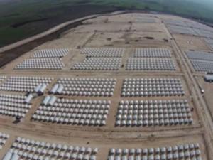 EU vil bestikke Tyrkiet med 3 mia. <br>euro for at forhindre syrere i at <br>komme til Europa, siger Reuters