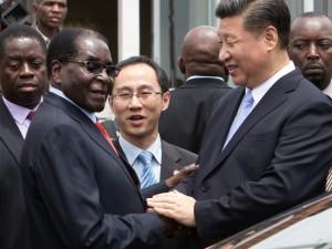 Xi Jinping indgår store investeringsaftaler med Sydafrika og Zimbabwe