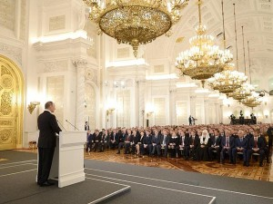 Leder, 4. december 2015: <br>Præsident Putin nagler Obama; <br>LaRouche banker det ind