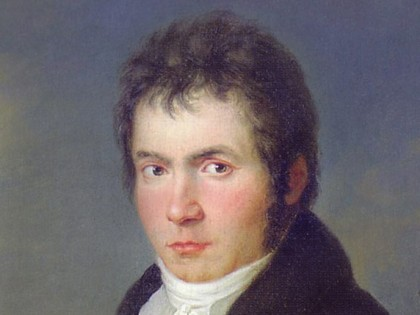 »Beethovens årtier lange kamp <br>for den Niende Symfoni« <br>Kun sjældent i menneskehedens historie <br>har der været en dialog og en syntese <br>mellem to, store intellekter på <br>Friedrich Schillers og Beethovens niveau,  <br>endskønt de aldrig mødtes. <br>Resultatet heraf  blev den 9. Symfoni.