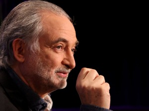 Jacques Attali foreslår international fredskonference <br>for at standse krigens trommehvirvler