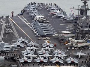 Amerikansk hangar-krigsskib ankommer til Sydkorea