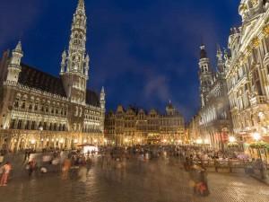 Terrorister angriber Bruxelles, ISIS påtager sig ansvaret