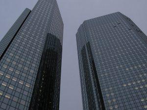 »Drama Infernale« … og LaRouches initiativ for Deutsche Bank er eneste udvej
