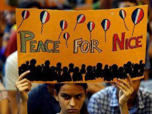 84 døde i terrorangreb mod Nice. <br>Frankrig må bryde fuldstændigt med Saudi-Arabien