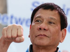 Duterte vs. Obama: Bloomberg truer med militærkup, <br>Danny Russel truer med økonomisk straf
