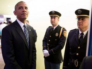 Obama, og USA's økonomi, er ved at smuldre <br>– Vil Obama trække verden med sig ned?