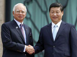 Ny økonomisk verdensorden: Malaysias premierminister Najib i Kina <br>– endnu et søm i Obamas 'Omdrejningspunkt Asien'-ligkiste
