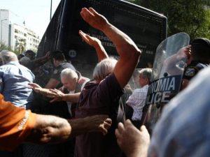 Kreditorer vil aflyse julen for Grækenlands pensionister
