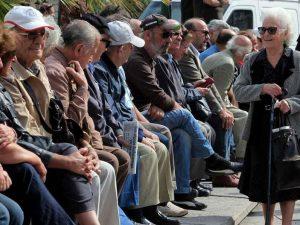 Græsk ombudsmand: Landet styrter ud i en humanitær nødsituation