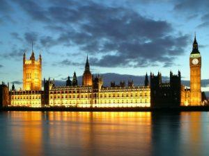 Det er Londons nye provokationer, <br>der truer med Verdenskrig