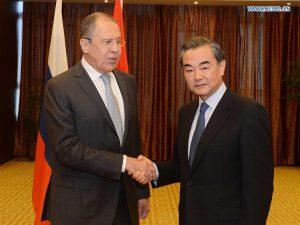 Kinas og Ruslands udenrigsministre mødes i Astana