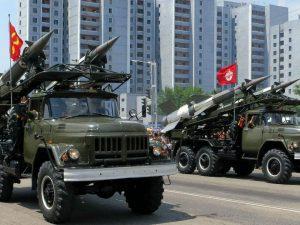Lyndon LaRouche angriber kraftigt <br>briternes rolle i den globale krise over <br>Den Koreanske Halvø
