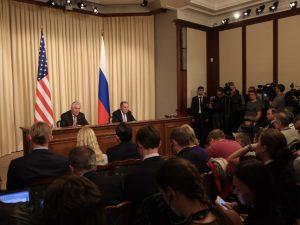 Der ses fremskridt i USA's udenrigsminister Tillersons forhandlinger <br>med Ruslands udenrigsminister Lavrov og præsident Putin