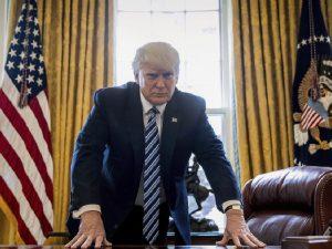 Trump er måske ved at bryde fri af den britiske krigsfælde: <br>Hvad hans næste skridt må være
