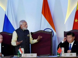 Indiens Narendra Modi kommenterer indisk-kinesiske relationer <br>på forum i Skt. Petersborg