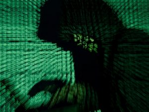 Enorme cyberangreb rammer russiske og ukrainske industrier og banker