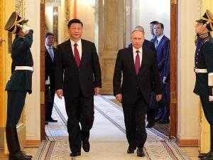 Kina og Rusland forpligter sig til at spille rollen som ballast for verdensfred