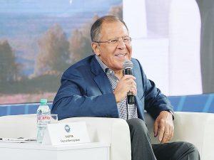 Ruslands udenrigsminister Lavrov forklarer BRIKS-multipolaritet <br>som alternativ til unipolære systems kaos