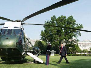 Støt den kampberedte præsident til <br>at vælge store projekter, og ikke krig