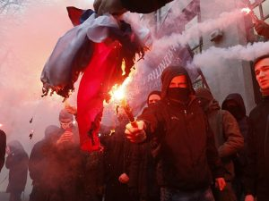 Rusland fordømmer nazistiske angreb mod <br>dets faciliteter i Kiev; kræver handling