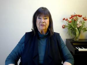 »Hvordan man udmanøvrerer gale Theresa <br>Mays march mod Tredje Verdenskrig« <br>Helga Zepp-LaRouche i <br>internationalt webcast; 29. marts, 2018