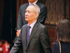 Kina sender topregeringsfolk til Washington <br>for at 'rette og stabilisere' relationer