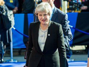 Perfide Albion: Det dødeligt <br>sårede, britiske bestie slår fra sig; <br>Forgiftningen af Skripal er <br>desperat britisk forsøg på at <br>genoplive deres amerikanske kup