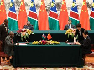 Namibias præsident styrker relationerne med Kina; <br>forsvarer Kina som Afrikas bedste ven