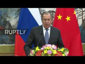 Lavrov siger det amerikanskledede missilangreb torpederede fredsprocessen i Syrien