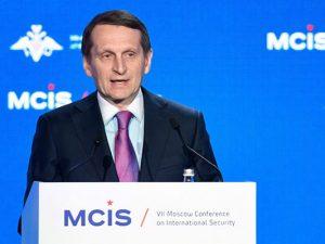 Chefen for Ruslands udenrigsefterretningstjeneste kommer <br>med en alvorlig advarsel om en ny Cuba-missilkrise