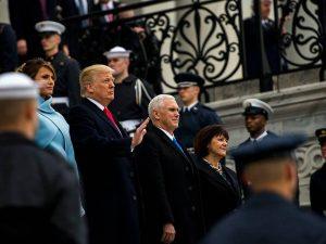 Erklæring fra LaRouchePAC: <br>NU ER DET NOK! Ring til <br>Kongressen og din senator og <br>sig til dem, at de skal lukke <br>Robert Mueller ned; <br>STOP BRITERNES FREMSTØD FOR KRIG