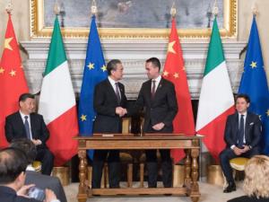 Italien og Kina underskriver banebrydende hensigtserklæring om Bælte- og Vejinitiativet.