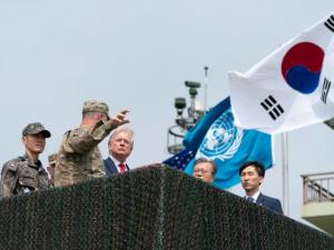 Styrer præsidenten udenrigspolitikken igen? Godt! <br>Men hvem vil stoppe det globale økonomiske sammenbrud?