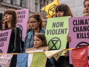 Frontalt angreb på vores levestandard: Multimilliardærer finansierer 'Klimabeskyttere'!<br>Af Helga Zepp-LaRouche<br>[Skrevet til det tyske ugemagasin Neue Solidarität, # 33, dateret 15. August, 2019.]
