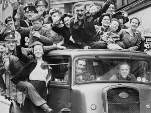 At fejre og forny sejren over fascismen
