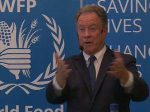 """""""Verden står ved en skillevej"""", sagde <br> FN's Verdensfødevareprograms David Beasley i København"""