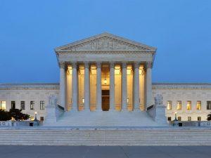 Verdens øjne er rettet mod den amerikanske højesteret – og Schiller Instituttets konference i weekenden