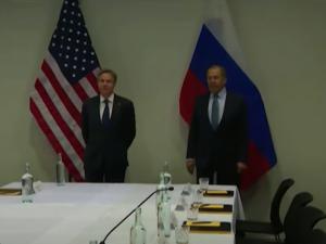 Lavrov er forsigtig optimistisk efter mødet med USA's Blinken