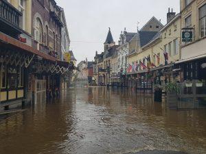 Oversvømmelser: Mod Moder Naturs luner hjælper kun udbygning af infrastrukturen (Nu med dansk oversættelse)